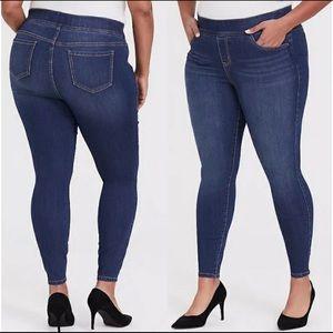 Torrid Lean Jean Pull On Pants/Jeans Size 3R
